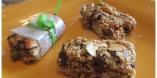 Homemade Healthy Breakfast bar (Oat and nut bar )