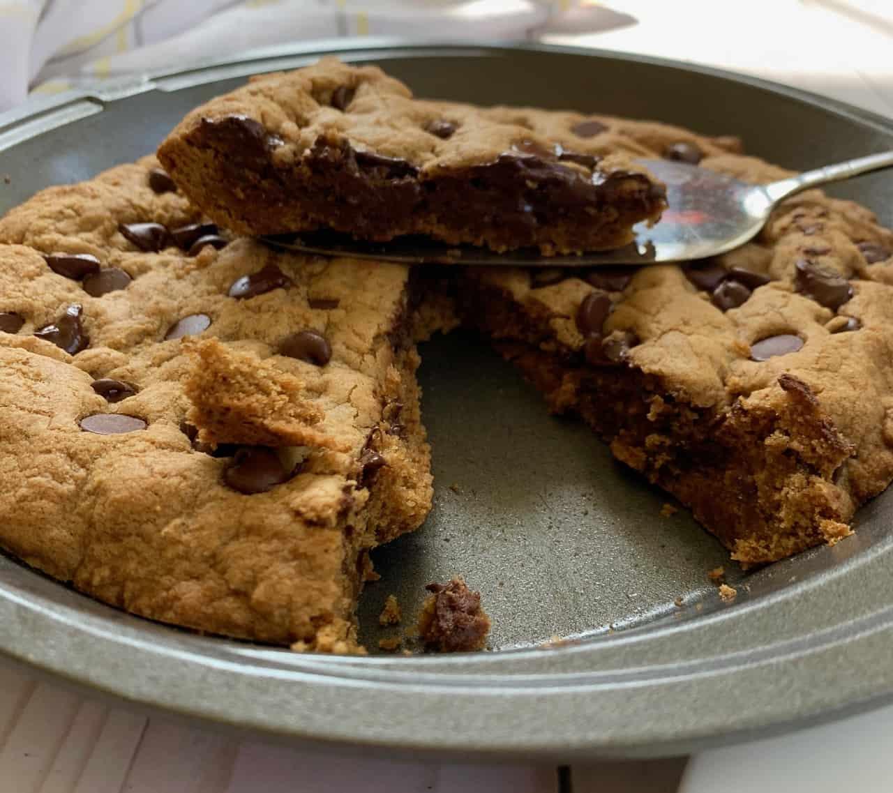 Chocolate Chip Cookie Pie (gluten free, nut free, dairy free) -